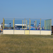 Hüpfburg am Strand